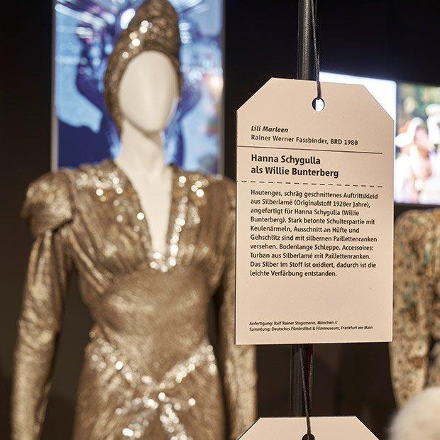 Bild: Auftrittskleid für Hanna Schygulla als Willie Bunterberg / © Deutsches Filmmuseum