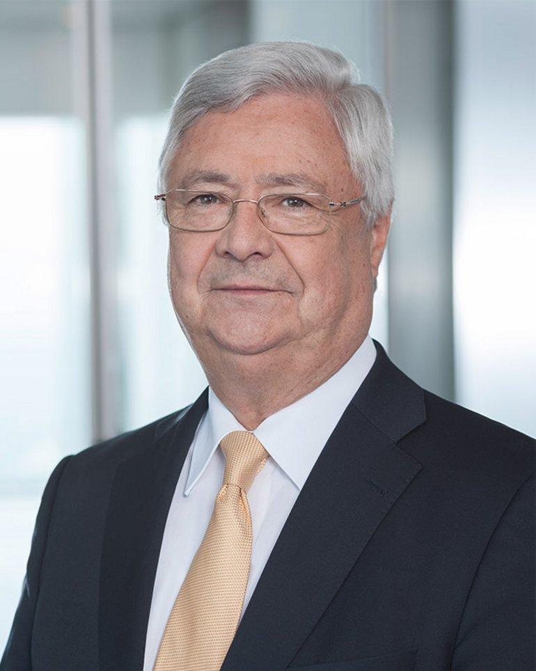 Stiftungsrat: Klaus Peter Müller