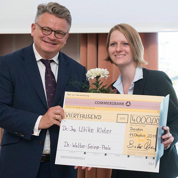 Bild: Preisträgerin Dr. Ulrike Kister
